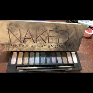 Naked Smokey eye palette